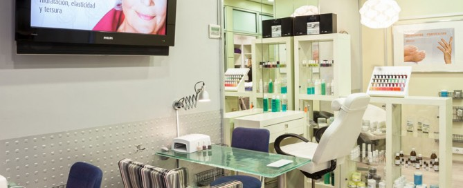 Tratamiento de manicura y pedicura centro estética Barcelona